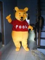 kostum karakter winnie the pooh